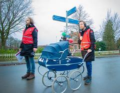 Mark en Rámon met de kinderwagen! (3FM) Tags: sr18 lifeline 3fm rode kruis rodekruis mark rámon serious request wandelen kinderwagen