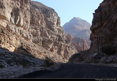 Wadi al-Mayh, Oman (JH_1982) Tags: wadi almayh al mayh uadi oued 乾谷 ワジ 와디 вади nature natur landscape mountains rock rocks rocky felsen berge gebirge roadtrip gravel road offroad adventure canyon valley schlucht scenery scenic oman sultanate سلطنة عُمان sultanat sultanato omán 阿曼 オマーン 오만 оман
