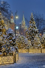 Moscow Christmas Time (Guide, driver and photographer in Moscow, Russia) Tags: christmas christmaslights christmastrees newyeartrees magicofmoscow moscow newyear russia magic streetlamps twilight streetlights clock time lights winterholidays manezhnayasquare kremlintowers wintertime winter snow ru