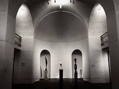 DBS_0260 (David Swift Photography) Tags: davidswiftphotography pennsylvania philadelphia philadelphiamuseumofart architecture architecturaldetail archways arches museums art publicart sculpture balconies