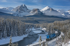 'The Waiting Game' - Morants Curve, Lake Louise (Gavin Hardcastle - Fototripper) Tags: morants curve lake louise banff national park train river mountains winter snow clouds cold