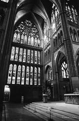 Cathédrale de Metz 2 (Tormod Dalen) Tags: mx smcpentax2435 tx400 metz france cathedral catédrale church eglise city architecture argentique film bwfilm noirblanc lorraine kodak pentax vintage vintageglass