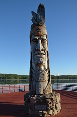 Native American Sculpture (Annikamy) Tags: sculpture usa native american annikamy calm wood carving nikon peter wolf toth lake water