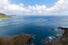 De volta à baía dos golfinhos (H. P. Filho) Tags: dslr apsc canoneosrebelt5i canonefs1018mmf4556isstm photoshoplightroom fernandodenoronha noronha oceano oceanoatlântico mar baíadosgolfinhos baía vegetação rochas céu nuvens ocean atlanticocean sea bay rocks sky clouds brazil bgtpe bsl 50view faved 2fav 3fav 5fav 100view 250view 500view expo 10fav getty bei 1000view