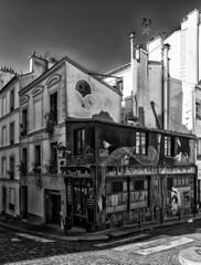 Streets of Montmartre / Улицы Монмартра (dmilokt) Tags: город city town пейзаж landscape улица street dmilokt чб bw черный белый black white