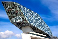 Havenhuis @ Antwerp 2018 (Fabke.be) Tags: architecture bluesky clouds antwerp antwerpen glass glas mirror