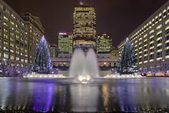 Simmetria di natale / Christmas simmetry (Canary Wharf, London, United Kingdom)(Buon Natale!!!/Merry Christamas!!!) (AndreaPucci) Tags: london uk canarywharf cabotsquare christmas tree night andreapucci