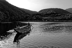 Sailing (Garry Shu) Tags: japon japan nihon kyoto water boat old oldboat sail mountains landscape paysage blackwhite tradition traditionnal asia asie happyplanet