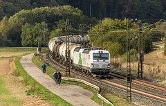 059_2018_09_26_Harrbach_6193_839_SIEAG_mit_6193_285_ELOC_SETG_und_Kesselwagenzug ➡️ Würzburg (ruhrpott.sprinter) Tags: ruhrpott sprinter deutschland germany allmangne nrw ruhrgebiet gelsenkirchen lokomotive locomotives eisenbahn railroad rail zug train reisezug passenger güter cargo freight fret bayern maintal atlu bb byb db dispo eloc evb hctor lm öbb rpool sbbcargointernational siag slg sncb stock 0185 0425 0445 0620 1016 1116 1214 1428 1440 242 3202 6152 6182 6185 6186 6187 6189 6193 711 7186 es64u2 es64f4 logo natur outddor harrbach