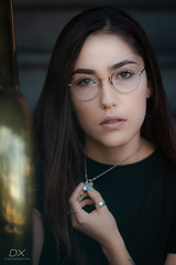 Susan (diegography) Tags: susan hand looks long hair black light natural glasses green eyes portrait pretty woman beauty girl guadalajara golden yellow necklace canon canon80d lips shadows day dxdiegographyx