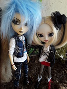 Caelus y Harley (Lunalila1) Tags: doll groove taeyang horizon sid handmade outfit lunalilaclothes clothes nunoya fabrics fur blue wig punk style pullip harley quinn pennywise pennywisetown caelus