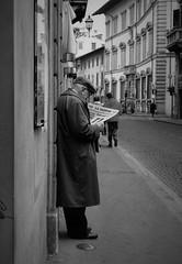 Newspaper (reiko_robinami) Tags: street streetphotography film monochrome blackandwhite firenze italia urban