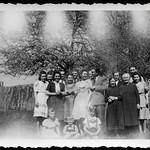 Archiv R917 Familienfoto, 1950er thumbnail