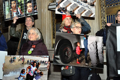 photos (greenelent) Tags: riseandresist grandcentralstation newyork nyc photos immigration people protest 365 photoaday