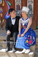 Xizhou, wedding-photos (blauepics) Tags: china chinese chinesisch yunnan province provinz dali xizhou city stadt bai minority minderheit stamm tribe woman frau man mann groom bride gatte braut costume tracht traditional traditionell couple paar wedding photos hochzeit hochzeitbilder style stil