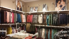 Blurry Back Right Corner (Retail Retell) Tags: aéropostale aero reopening closing store closure liquidation southaven ms towne center desoto county retail tanger outlets outlet mall memphis
