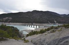 Baie de Chanteloube (RarOiseau) Tags: hautesalpes mars pont chorges marne paysage contrejour gris