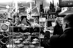 £4 Pretzels, Christmas Markets, Albert Square, Manchester (_p_e_r_s_e_p_h_o_n_e_) Tags: manchester manchestertownhall albertsquare christmasmarkets monochrome streetphotography canoneos80d affinityphoto