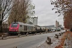 Ça manœuvre la deuxième tranche ! (nicolascbx) Tags: bb75012 ite traindefret train portdegennevilliers tergnier gennevilliers freighttrain freight fret calcia ciment lineas bb75000