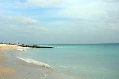 paradise (Frau Koriander) Tags: sirbaniyas sirbaniyasisland abudhabi uae vae emirates beach strand meer ocean sea ozean vereinigtearabischeemirate unitedarabemirates mscsplendida nikond300s beachlife beachday paradise blau blautöne türkis turquois water orient asia