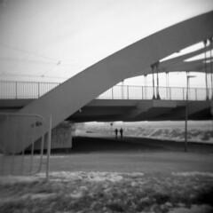 Holga2 (deeluuu) Tags: holga holga120 mediumformat square 6x6 blackandwhite czarnobiałe film keepfilmalive istillshootfilm plasticlens toycamera dreamy bridge urbanlandscape streetphoto