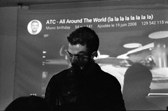 IMG_0014 (cestlameremichel) Tags: kodak tmax p3200 3200 asa party night analog analogica analogue film 35mm minolta dynax 40 pellicule argentique black white monochrome monochromatique bnw noir et blanc
