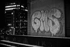 ([gegendasgrau]) Tags: gms duisburg commerzbank graffiti vandalism vandalismus spraypaint urbanart schnee snow winter trainstation bahnhof railroadstation railwaystation architecture architektur gebäude building urban beton concrete wall photography fotografie explore mood moody ambiance atmo atmosphere atmosphäre feeling flavour documentation dokumentation reportage lifestyle umwelt environment wetter weather stimming beautiful nacht night nachtfotografie nightphotography nightshot darkness dunkelheit lowlight light licht nrw ruhrpott ruhrgebiet ruhryork bw sw schwarzweiss blackwhite