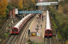 91141 and 91031 North Acton (localet63) Tags: londonunderground centralline northacton 91141 91031