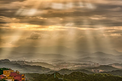 Ray of Sunset (tehhanlin) Tags: sunset taiwan asia sony ngc rays sunray places travel jiufen taipei landscape landscapes panoramic
