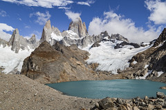 Fitz Roy and Laguna de Los Tres (Ann Kruetzkamp) Tags: fitzroy cerrofitzroy cerrochaltén mountfitzroy southernpatagonianicefield viedmalake lagunadelostres chilepatagonia argentina chile hiking adventure backcountry trekking camp camping landscape mountains landscapephotography family friends goretex park people journalism canon 5d 5dmarkii cold wind weather adventuretravel travel panorama canon5d markii canon5dmarkii february photography trek kruetzkamp 2018 annkruetzkamp ann kruetzkampcom mountain cerro