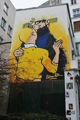 Combo_9326 rue des Petits Carreaux Paris 02 (meuh1246) Tags: streetart paris combo ruedespetitscarreaux paris02 couple baiser tintin capitainehaddock