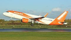G-EZRM (AnDyMHoLdEn) Tags: easyjet a320 egcc airport manchester manchesterairport 23l