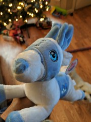 White Reindeer (earthdog) Tags: 2018 googlepixel pixel androidapp moblog cameraphone animal christmas reindeer stuffed softie toy
