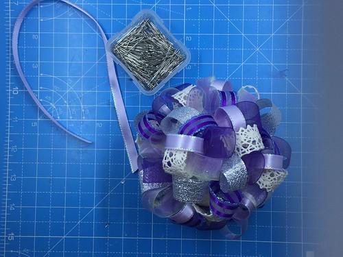 add hanger for ribbon ornament