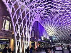 Where, on the first of September each year, the magic takes place ⚡️ (La_Andre) Tags:  uk jkrowling stazione iphone6 iphone flickr railwaystation railway london londra magia magic harrypotter kingscross king'scross