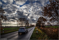 down the road wherever (geka_photo) Tags: gekaphoto heidkate schleswigholstein auto strase landstrase herbst wolkeb bäume