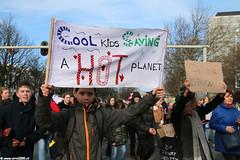 s6354_Errel2000_Klimaatmars (Errel 2000 Fotografie) Tags: errel2000 denhaag klimaatmars scholieren spijbelen co2 protestmars protest staking scholierenstaking malieveld spandoeken leuzen aarde earth rutte roblangerak