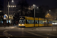NGT D12DD Nr. 2820 (rengawfalo) Tags: nacht night ngt dresden sachsen saxony dvbag dresdnerverkehrsbetriebe tram tramway strasenbahn train railroad bahn tranvia tramvaj elektricka öpnv publictransport urbanrail tramwaj sporvogn car road albertplatz