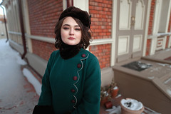 Old style (ZolotoyPhotography) Tags: girl retro green sigma art lens 24mm
