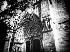Le frontispice (LUMEN SCRIPT) Tags: france paris monochrome church architecture