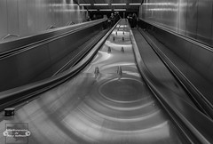 U-Bahn Bonn (Betrachtungsweisen) Tags: 2018 underground dezember ubahn eosm50 longexposure langzeitbelichtung bonn germany