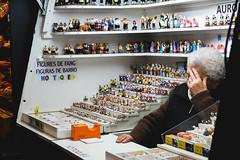 Tradiciciones... (Willie Roman Fotografía) Tags: tradicion photo photography streetphoto street robado fujifilm mercado mercadillo navidad christmas marychristmas