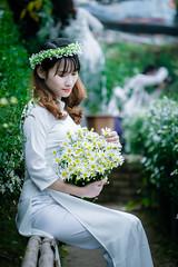 Mùa hoa cúc #XT20 #XF55200 #FUJIFILM #55200 #HOACUC #CUCHOAMI #VIETNAM #VIETNAMESE #GIRL #PORTRAIT #FUJINON #FUJI (Tạ Phú) Tags: 55200 vietnamese fujifilm xt20 hoacuc cuchoami vietnam portrait fujinon girl xf55200 fuji
