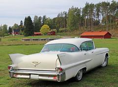 1958 Cadillac Series 62 Sedan (crusaderstgeorge) Tags: crusaderstgeorge cars classiccars chrome americancars americanclassiccars americancarsinsweden 1958cadillacseries62sedan 1958 cadillac series 62 sedan whitecars landcruiser fins högbo sweden sverige raggare