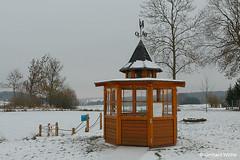 House to celebrate (GerWi) Tags: schollenreuth teich wasser eis winter haus celebrating anlegestelle feuerwehrhaus
