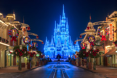 Empty Main Street USA | Magic Kingdom (Pandry 2015) Tags: canon canon6d nightphotography lights themepark travel colors christmaslights christmas castle orlando mainstreet cinderellacastle cinderella magickingdom disneyworld waltdisneyworld disney wdw