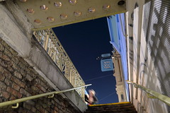 Wiki (No_Mosquito) Tags: vienna city urban night canon powershot g7xmarkii angle stairs sign person woman wiki