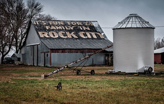 It's fun for the Family... (Mr. Pick) Tags: see rockcity itsfunforthefamily tennessee tn barn clark byers advertising chattanooga paint painted roof us41 us 41