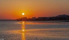 puesta de sol de Cubelles (salo75) Tags: catalunya mediterraneo cielo landscape d700 sunset paisaje agua beach 105vr28 cubelles nikon mar playa