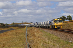Top and Tail (PJ Reading) Tags: train rail railway track transport travel transportation cargo goods freight locomotive diesel pn pacificnational pacnat nrclass southernhighlands limestone mineral south mainsouth sydney boral quarry menangle bulk